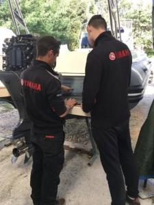 Technicien Yamaha pour entretien de bateau
